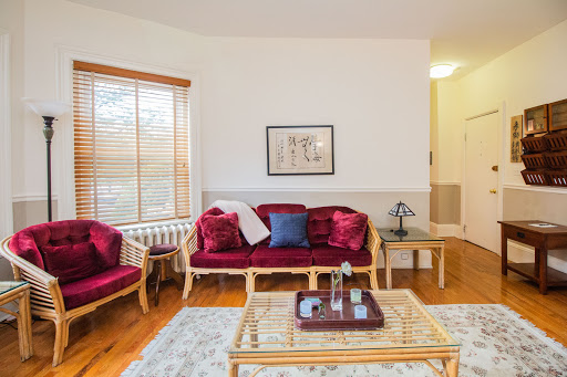 Sunny, Spacious 1Bed Cl