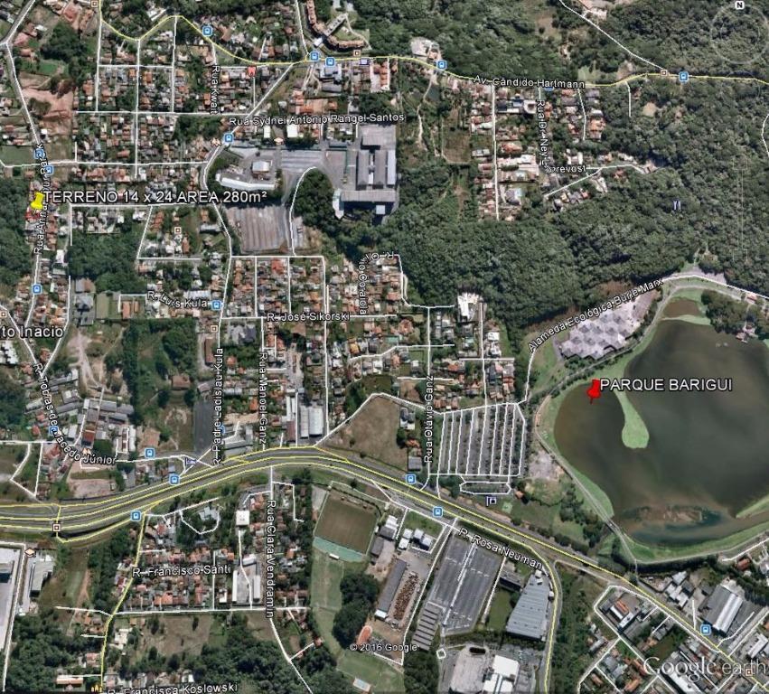 Casa de 3 dormitórios em Santo Inácio, Curitiba - PR