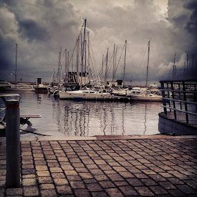 by Julija Moroza Broberg - Instagram & Mobile Android