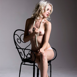 by Mel Stratton - Nudes & Boudoir Artistic Nude ( girl, seat, female, woman )
