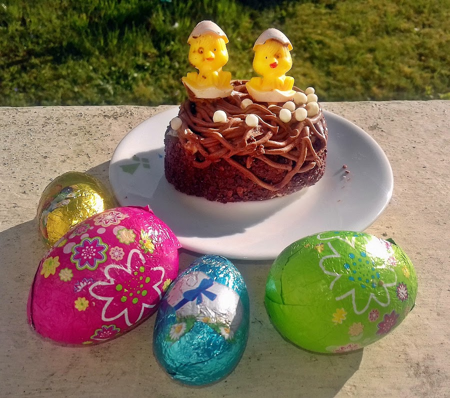 Happy cake by Ciprian Apetrei - Public Holidays Easter ( eggs, cake, easter, brittany, chocolate )
