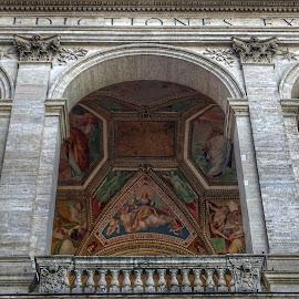Dipinti tra gli archi nella Basilica di San Giovanni in Laterano  by Patrizia Emiliani - Buildings & Architecture Places of Worship ( roma, dipinti, italia, archi, basilca di san giovanni  in laterano )