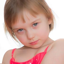 Amelia by Marcin Frąckiewicz - Babies & Children Child Portraits ( children portrait, children )