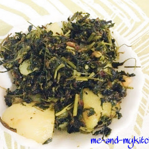 Aloo methi sabzi / Potatoes and fenugreek leaves stir fry / How to aloo methi stir fry