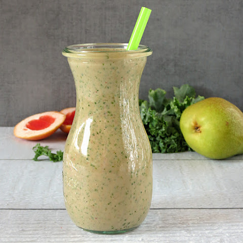Grapefruit Kale Smoothie