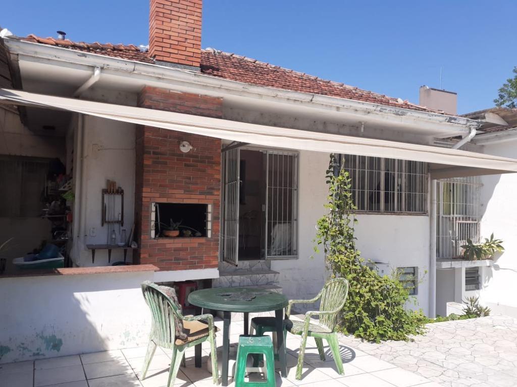 Casa residencial para locação, Três Figueiras, Porto Alegre.
