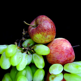 Red n green  by Asif Bora - Food & Drink Fruits & Vegetables