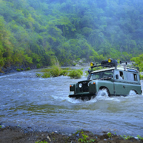 Classic off road vehicle river crossing adventure by Jundio Salvador - Transportation Automobiles ( 4x4, crossing, tanay, land rover, sports, off road, philippines, river )