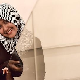 mood cream by Dityack Ditryik - People Fashion ( mirror, art, beautiful, mood, hijab )