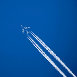 by Eugene O'Connor - Transportation Airplanes (  )
