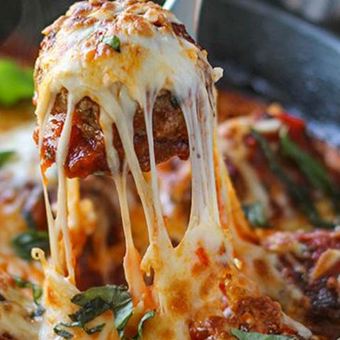 Mouth Watering Cheesy Skillet Meatballs