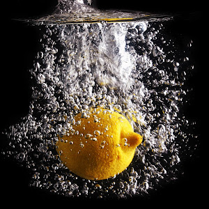 123rf  lemon splashing.jpg