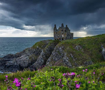 Our self-catering accommodation venue is situated near the rulns of Dunskey Castle in Portpatrick
