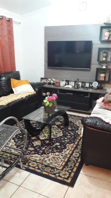 Casa com quartos para Alugar, 121 m²