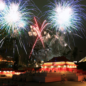 Fireworks *x* by ChengYang Kng - City,  Street & Park  Amusement Parks ( park, firework, fireworks, night, enjoy, legoland, lego )