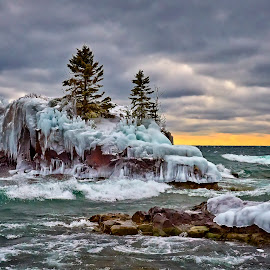 Hollow Rock by Mike Woodard - Landscapes Caves & Formations ( hollow rock, grand portage, lake superior )