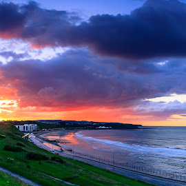 North bay by Martin Tyson - Landscapes Sunsets & Sunrises ( water, canon, uk, seashore, sea, beach, landscape, coastline, coast, 5d, yorkshire, bay, sunset, summer )