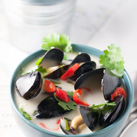 Spicy Thai Mussels
