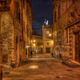 _DSC4959-Edit_60-Edit_61-Edit_tonemapped - Montepulciano nigt street-Edit-Edit-Edit-Edit-Edit-Edit - Via Di Gracciano Nel Corso 1.jpg