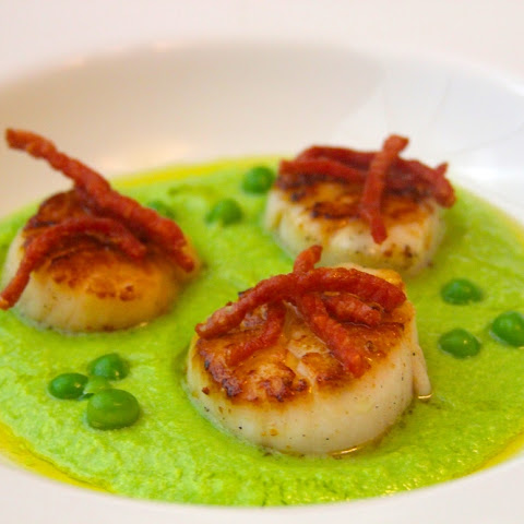 Seared Scallops with Smoked Pea Puree and Crispy Country Ham