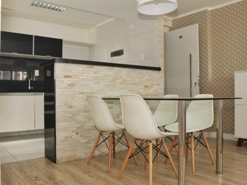 Apartamento com 3 dormitórios para alugar, 68 m² por R$ 2.160/mês - Manaíra - João Pessoa/PB