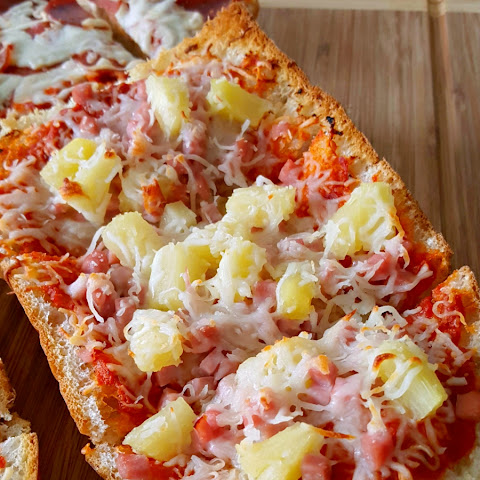 Genetic Hawaiian French Bread Pizza with Mezzetta Pasta Sauces #FallforFlavor #ad