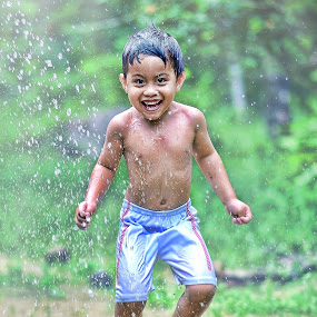 Jump and smile... by Syafizul  Abdullah - Babies & Children Children Candids