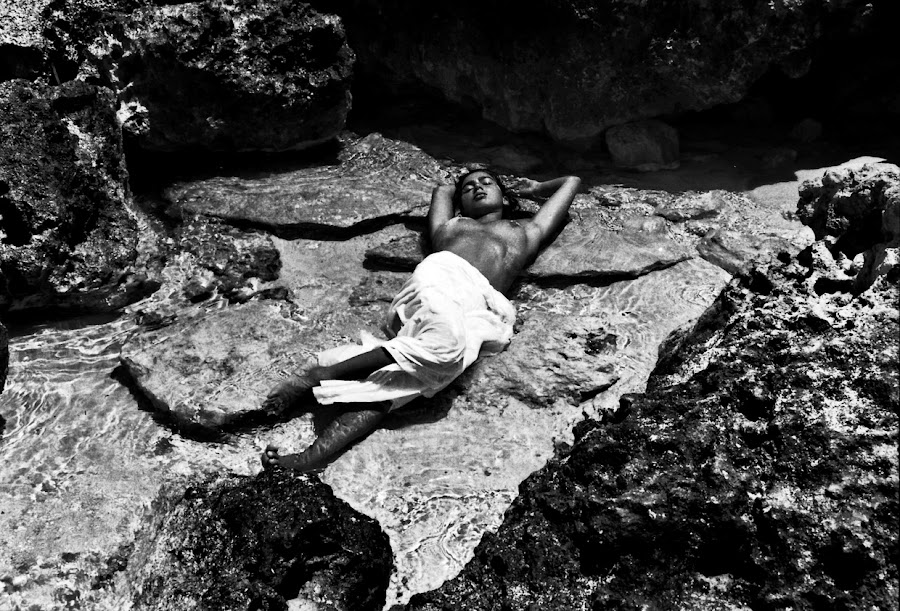don't disturb me by Faisal Thoha - Nudes & Boudoir Artistic Nude