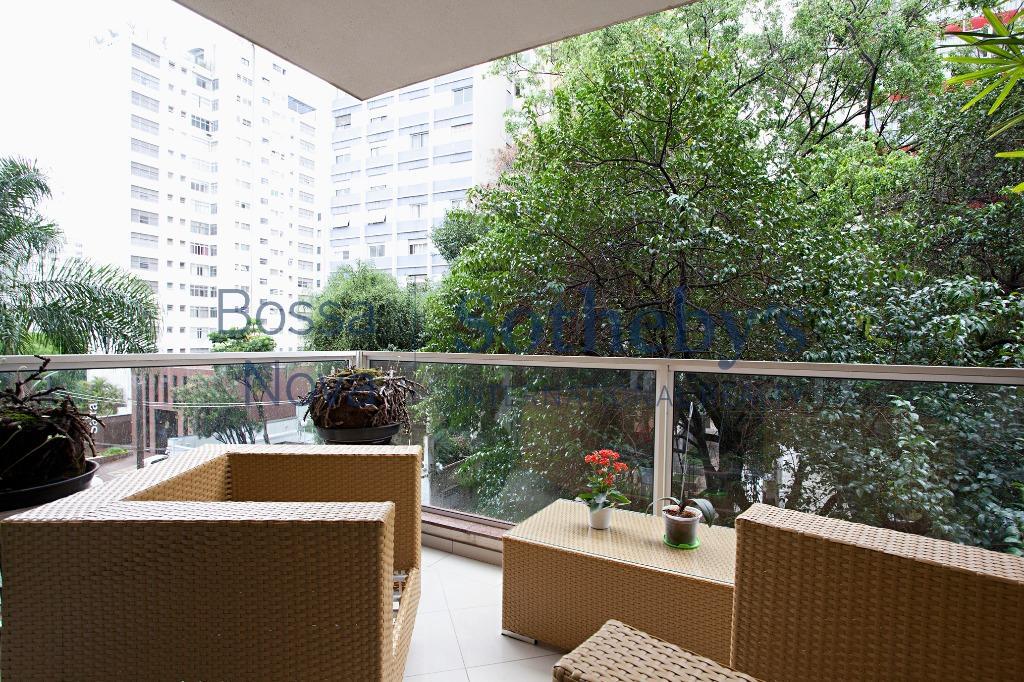 Apartamento amplo para reforma em Higienópolis