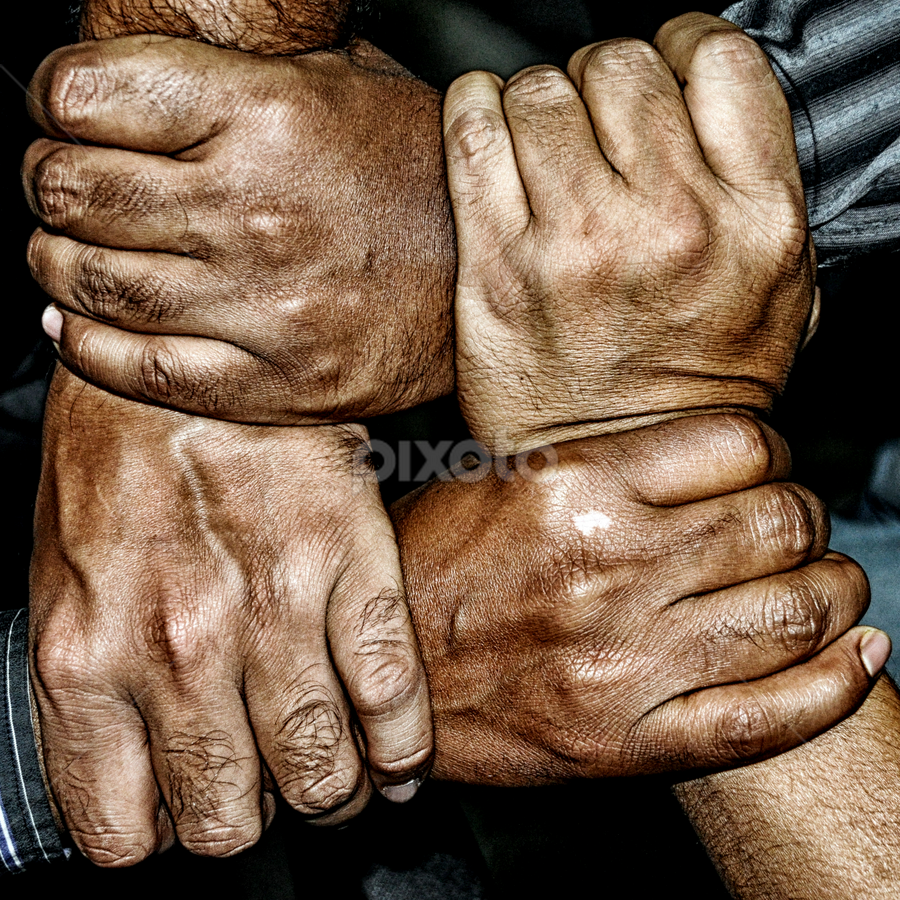 chain grab by Subrata Chatterjee - People Body Parts ( grab, pwchandshake, west bengal, body part, kolkata, people, business, handshake, hand, hands, peoples, unity, fingers, india )