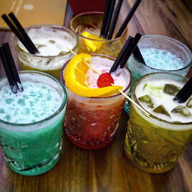 Drinks by Christiane Baur - Food & Drink Alcohol & Drinks ( ladiesnight, getr, drinkporn, tequilasunrise, ulm, drinkstagram, lecker, saturdaynight, drinks, coconutkiss, dasbootshaus, girlsnightout, samstagabend, partytime, sweetlife, happy, cocktail, bootshausulm, maitai, swimmingpool, nightlife,  )