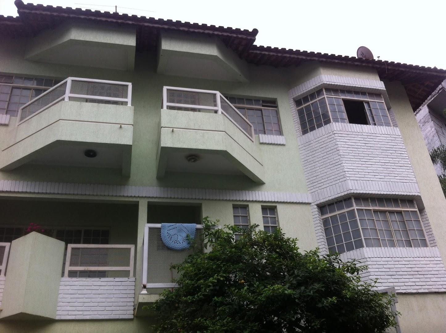 Soute Imóveis - Casa 4 Dorm, Vila Pedro Moreira
