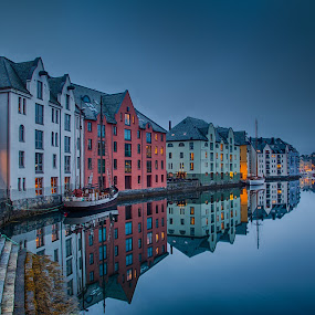 Night in Ålesund harbor by John Einar Sandvand - City,  Street & Park  Historic Districts ( harbor, night, ålesund, norway )