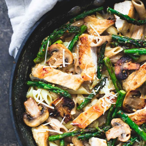 Garlic Chicken Mushroom and Asparagus Penne