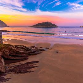 atardecer en la Concha, San Sebastian by Roberto Gonzalo - City,  Street & Park  Vistas ( sunset, san sebastian, la concha, playa, atardecer, beach,  )