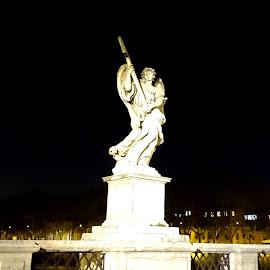 Statua di un angelo a Roma by Patrizia Emiliani - Buildings & Architecture Statues & Monuments ( roma, angelo, staua,  )