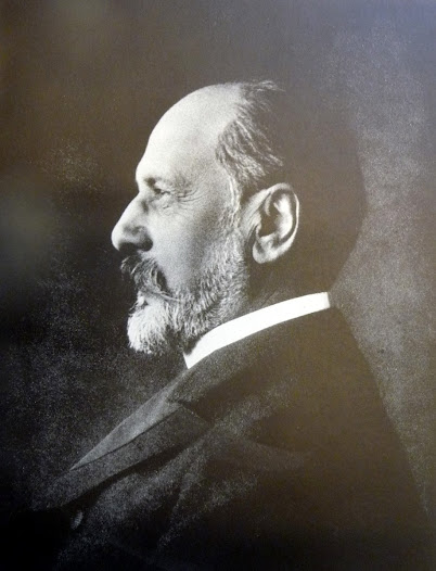 Paul Héger (1846-1925), friend and personal physician of Ernest Solvay, Professor of Medicine and Chairman of the Board of the ULB. Paul Héger was a strong supporter of experimental research. © ULB Archives