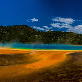 Grand Prismatic by Zach Boudreaux - Landscapes Waterscapes ( yellowstone, grand prismatic, colorful, beautiful, hot spring,  )