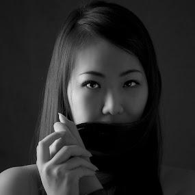 by Edwin Ng - Black & White Portraits & People ( woman, b&w, portrait, person )
