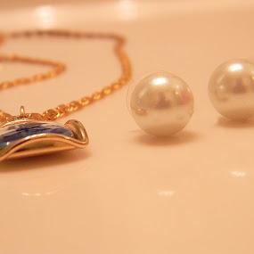 by Alyssa Michlin - Artistic Objects Jewelry