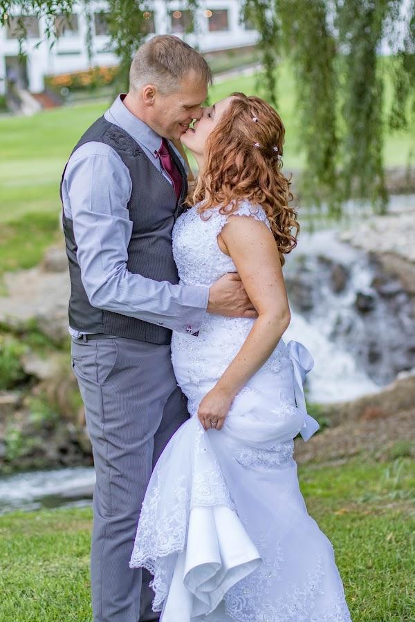 by Christopher van Heerden - Wedding Bride & Groom
