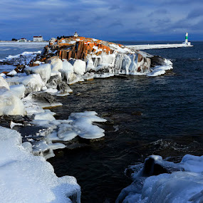 Grand Marais, Minnesota in winter by Shixing Wen - Landscapes Waterscapes ( winter scene, minnesota, grand marais, lighthouse, landscape photography, lake superior )