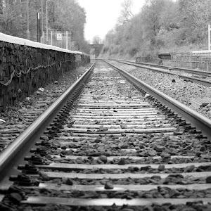 Train track  b&w.jpg