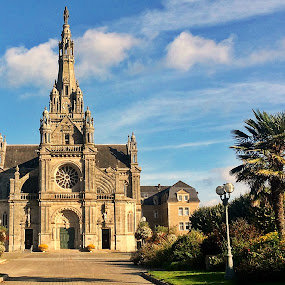 St Anne dAuray by Ciprian Apetrei - Buildings & Architecture Places of Worship ( park, church, traditional, brittany, architecture,  )