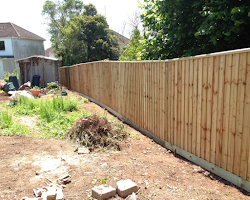 fencing service in Ebford
