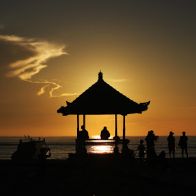 sunrise by Mad Coize - Landscapes Sunsets & Sunrises ( bali, siluet, beach, sunrise, landscape )