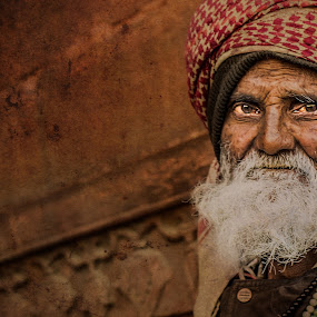 away in silence! by Rajarshi Mitra - People Street & Candids ( muslim, face, old, grunge, indian, senior citizen, people, man )
