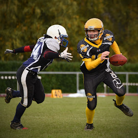 Catch Me If You Can ! by Marco Bertamé - Sports & Fitness American and Canadian football (  )