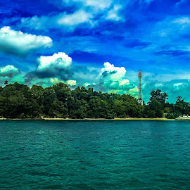Somewhere somewhere by Ilham Handianto - Novices Only Landscapes ( phone, nokia, lumia, cloud, sea, kofipon, smartphone, landscape, lumia 930, singapore, batam, island )