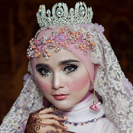 Beauty Hijab by Achmad Sutanto - People Portraits of Women ( #beauty, #model, #queen, #hijab )
